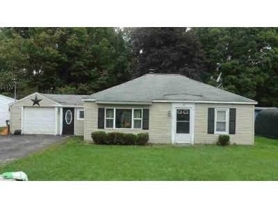 2 Bed 1 Bath Foreclosure Property in Nassau, NY 12123 - Tremont Dr