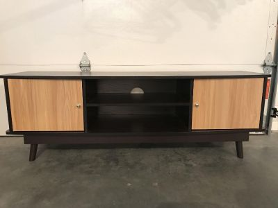TV stand 59Lx16Wx20H