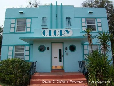Downtown Area - Spacious 1/1 in Sweet Art Deco Building