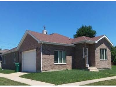 3 Bed 2.5 Bath Foreclosure Property in Harvey, IL 60426 - E 153rd St