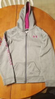 Under Armour-like New-American youth XL