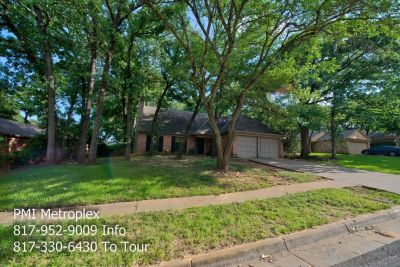 3 Bedroom, 2 Bath Wooded lot home in the hear of the metroplex