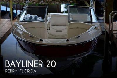 2009 Bayliner 205