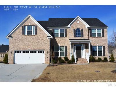 6 bedroom in Cary