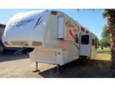 2010 Keystone RV Cougar fifth wheel camper trailer 2 bedroom 2 bath