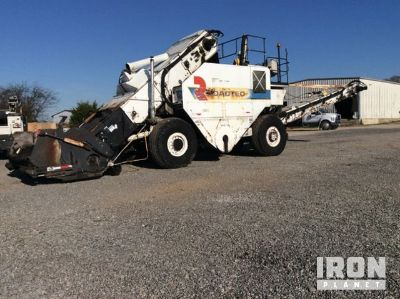 Roadtec SB-2500B Asphalt Transfer Machine