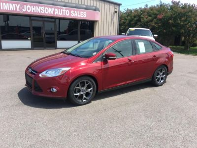 2014 Ford Focus SE (Red)