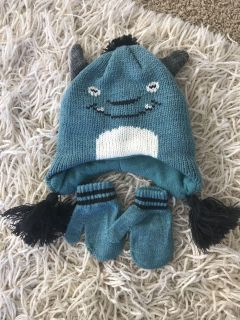 Monster hat with mittens