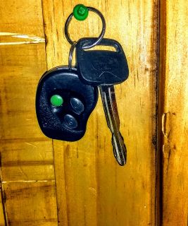 Toyota Camry 97 to 01 key & fob/ Nissan Altima 98 to 01 key and fob.