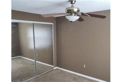 Well kept home available for rent for 12-36 months. Washer/Dryer Hookups!