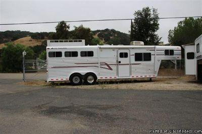 1999 Elite 3h lq 3 horse trailer
