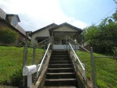 2 Bed 1 Bath Foreclosure Property in Huntington, WV 25701 - Underwood Ave