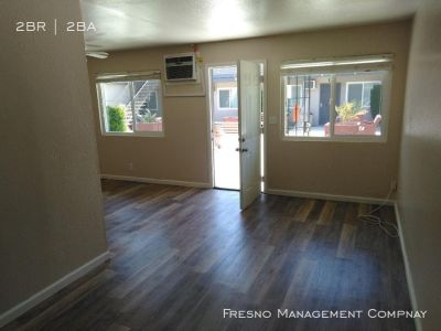 Renovated Upstairs 2 Bedroom Apt Near Fresno State!