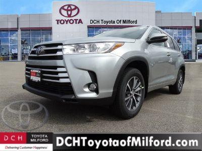 2018 Toyota Highlander xle (Celestial Silver Metallic)