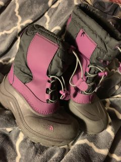 Size 2 girls north face winter boots
