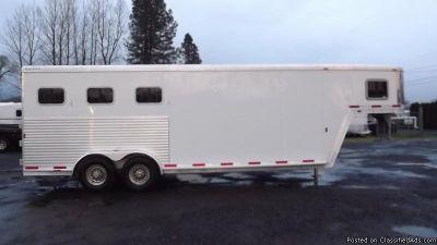 2006 Exiss 3 horse trailer gn