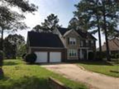 Great Three BR, 2.5 BA Home in Baywood...