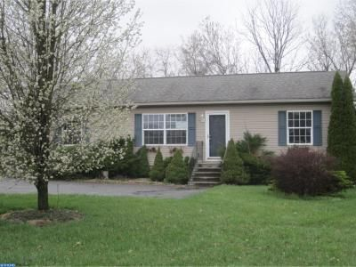 3 Bed 2 Bath Foreclosure Property in Coatesville, PA 19320 - Seltzer Ave