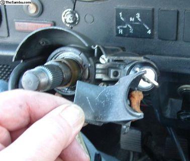 [WTB] ignition lock cover screws