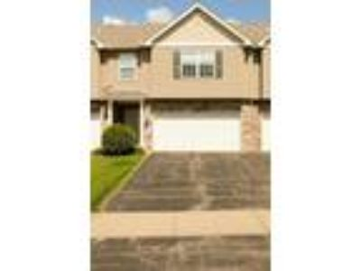 Fantastic Three BR Townhouse for Rent in Shakopee!