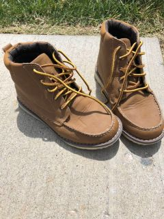 Boys cat and jack boots