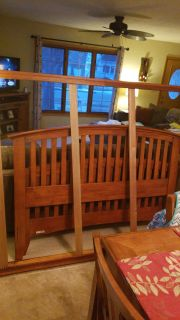 Queen bed frame w/foot and foot board