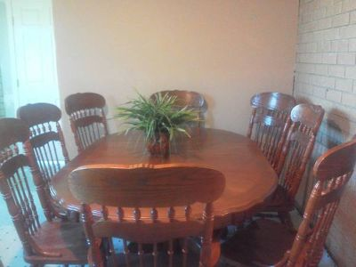 DINNIG SET ( 8 CHAIRS) $550 0.B.O (brownsville)