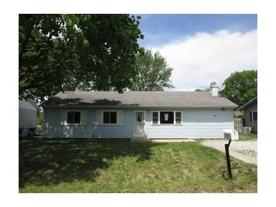 3 Bed 1 Bath Foreclosure Property in Washington, IL 61571 - W Bittersweet Rd