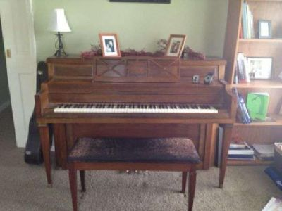 $749 Great Piano