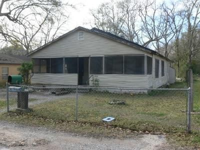 1.0 Bath Foreclosure Property in Moss Point, MS 39563 - Verlon Ave