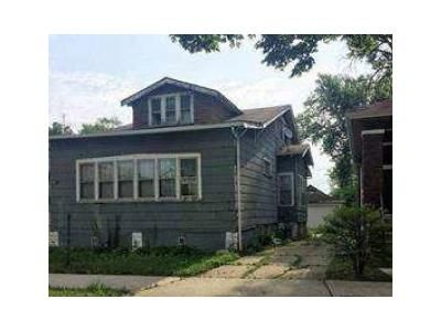 4 Bed 2 Bath Foreclosure Property in Chicago, IL 60628 - S Yale Ave