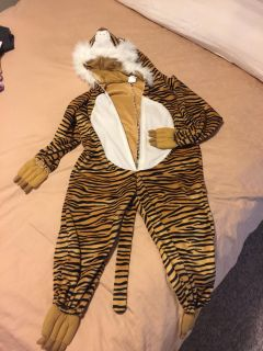 Tiger Halloween costume size med fits 6/7 year old