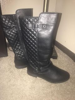 Black riding boots size 7