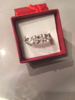 Lady's cocktail ring