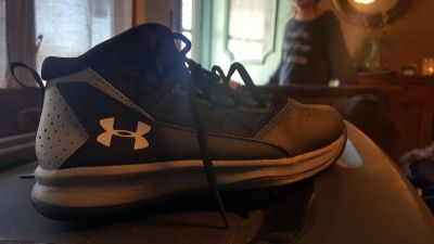 High top shoes size 2