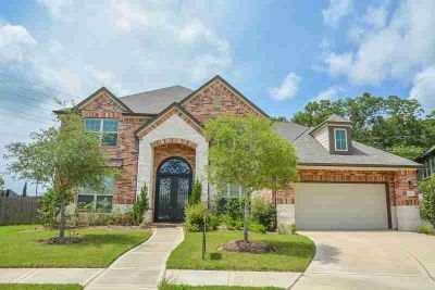 4630 Liberty Woods Lane Sugar Land Five BR, This 2-story house