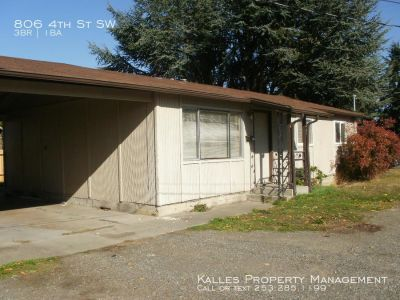 Cute 3 Bed 1 Bath Duplex in Downtown Puyallup