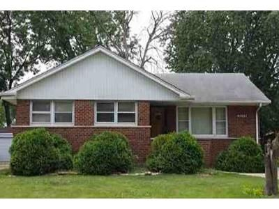 3 Bed 1 Bath Foreclosure Property in South Holland, IL 60473 - Dobson Ave