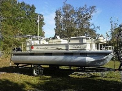 2008 Sun Tracker Pontoon Boat