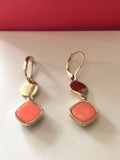 NEW ~ Nine West Coral and Gold Colour Earrings