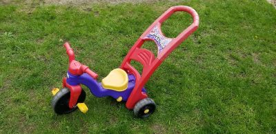 Rock, Roll and Ride Tricycle. Handle removes to convert to rocker or self ride. FIRST COME. MACKINAW PICKUP TODAY