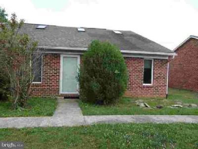21 Cambridge Ln Chambersburg Two BR, One story brick townhouse