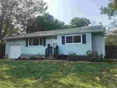 31 Kirby Ln Central Islip, Beautifully renovated Three BR