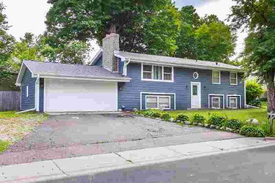 5409 Church Road MOUND, Immaculate, completely remodeled