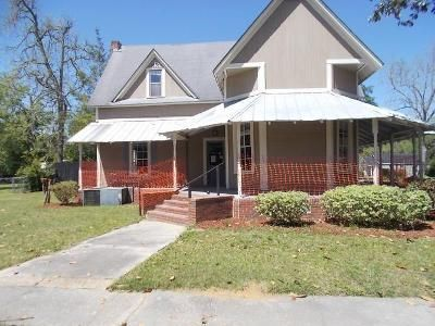 4 Bed 2 Bath Foreclosure Property in Hahira, GA 31632 - E Lawson St