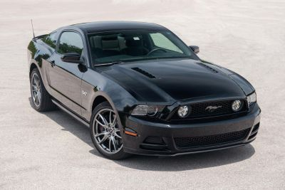2014 Ford Mustang GT (Black)