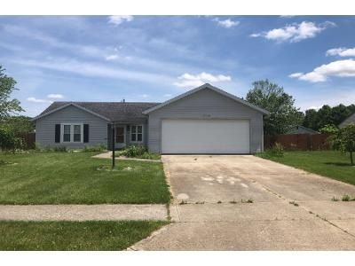 3 Bed 2 Bath Preforeclosure Property in Grabill, IN 46741 - Country Shoal Ln