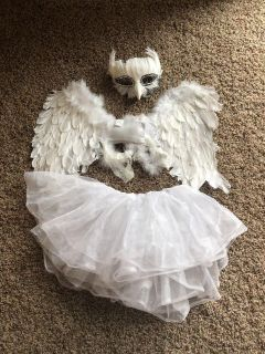 Snow owl costume including owl mask, white tutu and white feather wings size kids small to medium