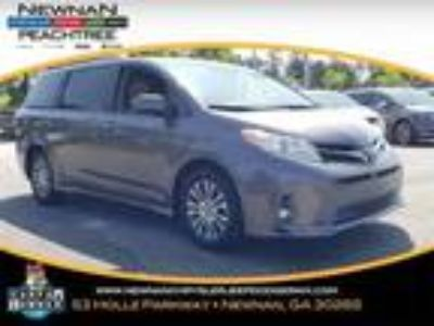 used 2019 Toyota Sienna for sale.