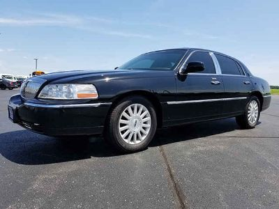 Used 2011 Lincoln Town Car 4dr Sdn
